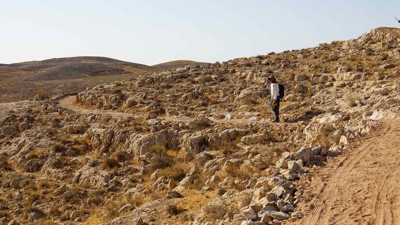 שביל ישראל לאופניים - רון גלעד ליד מצפה רמון